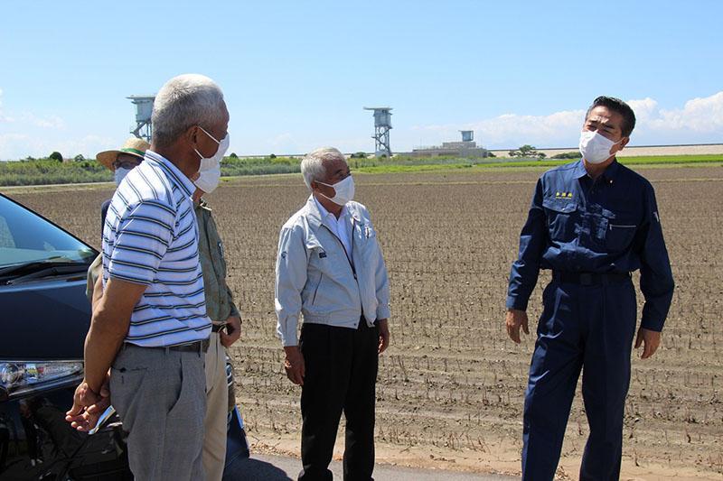 米需給 具体策求める/自民議連緊急決議 産地の努力に応えて(日本農業新聞)